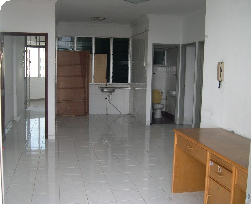 Un-furnished unit for rent